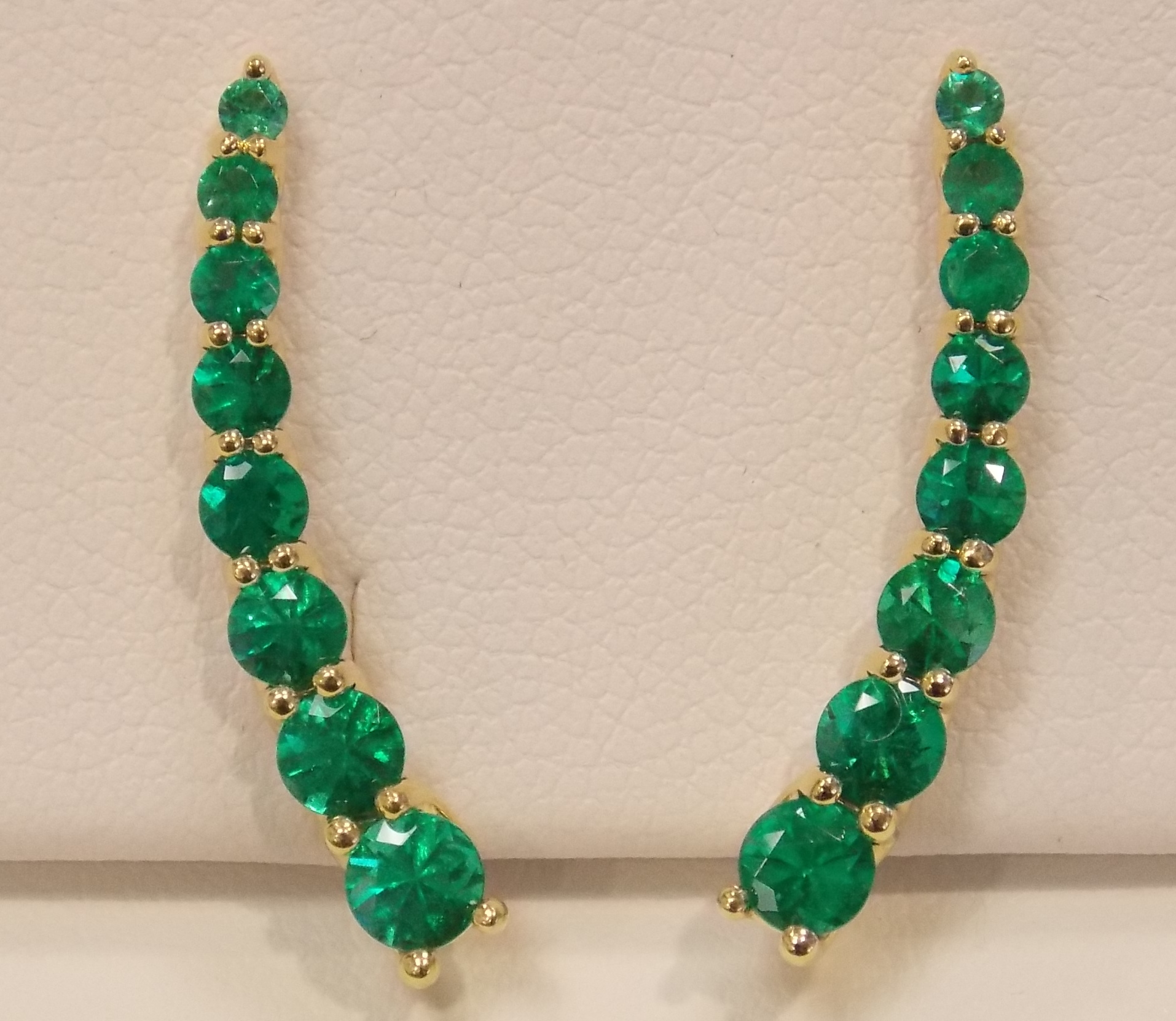 perhaps in may emerald heat said elizabeth taylor s colombia mine gemme pendant best it couture birthstone emeralds necklace is produce treated to and famous world most the